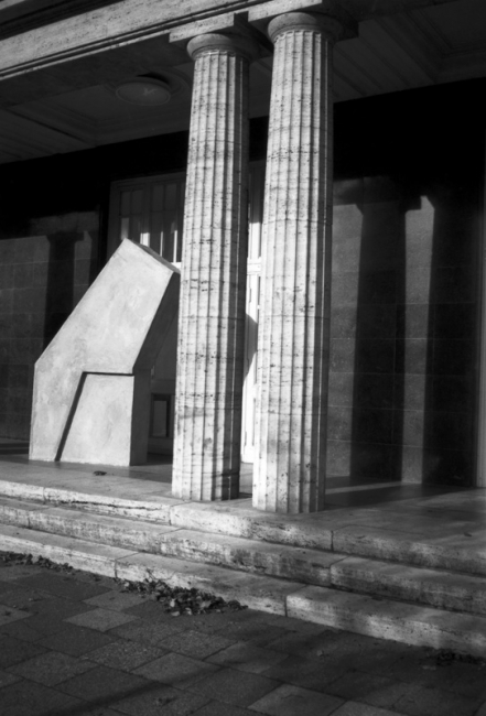 http://josephcharroy.be/files/gimgs/th-62_berlin unvollendete (13).jpg